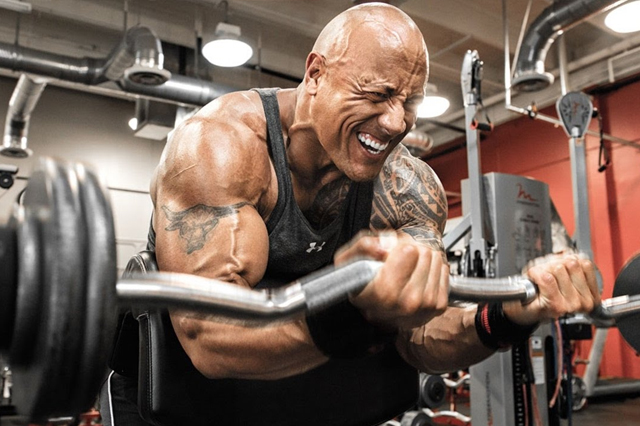 Dwayne-The-Rock-Johnson-Training-Ernährung-Fitness.jpg